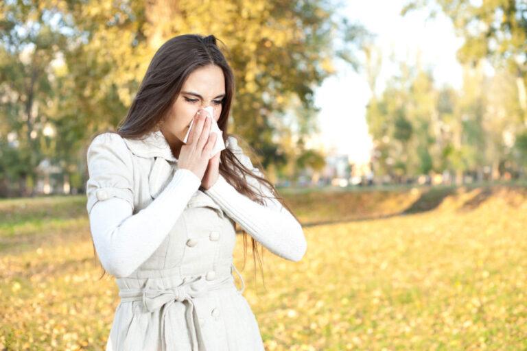 Φθινοπωρινές αλλεργίες και αλλεργική ρινίτιδα: πώς εμφανίζονται και τι πρέπει να κάνετε για να τις αντιμετωπίσετε
